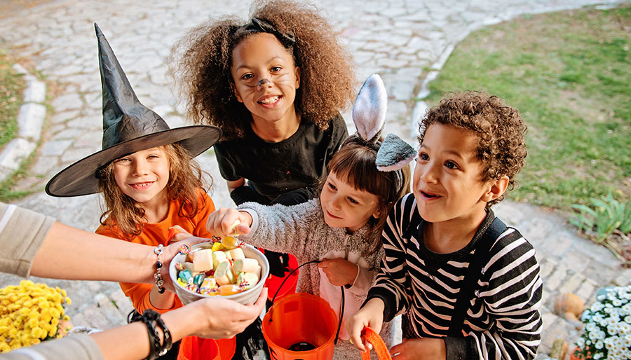 Safe Halloween trick or treating Children's Wisconsin Safe Kids